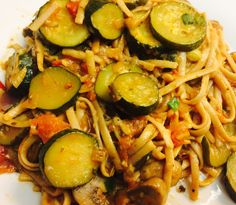 This vegetable linguini is healthy and delicious. The tomatoes are the base for the sauce. The mushrooms and zucchini add a heartiness to the dish. Ingredients: cooking oil 2 servings of linguini 2…