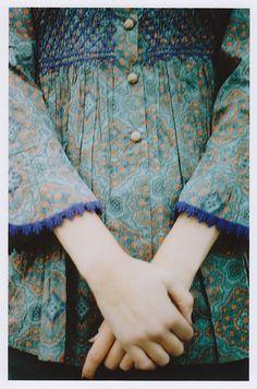 ≔ ♱ Boho Style ♱ ≕ bohemian gypsy hippie fashion - smocking and crocheted edges Look Boho, Bohemian Style, Fashion Details, Look Fashion, Latest Fashion, Style Feminin, Smocks, Mein Style, Heirloom Sewing