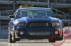 GT 1000 Mustangs speeding up the front wheels