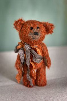 Hello!!! My name is Sem, very pleased to meet you! I am one of the new Muppie's Bears 2020 Winter collection! I am made of a beautiful rusty brown, authentic Schulte mohair with a dark background. Height standing: 17 cm (6.7 inches) Height sitting: 14 cm (5.5 inches) All Muppie's Bears are handmade and one of a kind and come with an original certificate! Please To Meet You, Dark Backgrounds, Winter Collection, Little Gifts, Certificate, Bears, Teddy Bear, Brown, Handmade