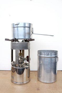 vintage 1940s camp stove  // 1947 coleman no. 530 pocket stove // in original box