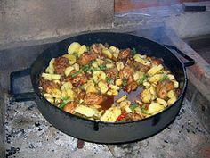 Pollo a la cerveza al disco Iron Pan, Kung Pao Chicken, Cooking, Ethnic Recipes, Kitchen, Food Ideas, Party, Gastronomia, Beer Chicken