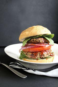 Smoky Black Bean and Hemp Seed Burgers Vegetarian Snacks, Savory Snacks, Vegan Food, Food Food, Healthy Food Blogs, Good Healthy Recipes, Clean Eating Recipes, Healthy Eating, Healthy Mind