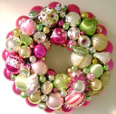 Pink and Green Christmas Ornament Wreath Christmas Ornament Wreath, Pink Christmas Tree, Vintage Christmas Ornaments, Christmas Baubles, Christmas Colors, Holiday Wreaths, All Things Christmas, Christmas Crafts, Christmas Decorations