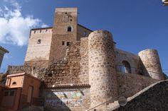 """CASTLES OF SPAIN - Castillo de Cofrentes, Valencia. El lugar fue habitado por íberos y romanos.  El castillo (siglo XII) es de edificación islámica, dominando las vegas de los ríos Júcar y Cabriel, que confluyen a sus pies. La fortaleza estratégicamente importante por su emplazamiento ( ruta del Júcar), fue conquistada por los castellanos y pasó al reino de Valencia en virtud de un tratado entre Alfonso X """"el Sábio) y Pedro III de Aragón """"el Grande""""."""