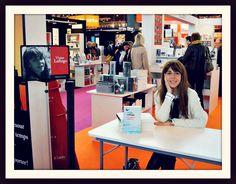 Vivian Lofiego es licenciada en Ciencias Sociales y Master en Literatura Hispana en la Sorbona. Desde el 2014, junto a Alelí Manrique, coordina la Colección Blanca de E. E.