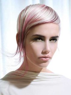 www.short-haircut.com wp-content uploads 2013 12 Sleek-Blonde-Hairstyle-with-Tinge-of-Light-Purple.jpg
