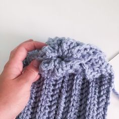 Pattern Notes The and the beginning of each row counts as one stitch. Starting with Row work into the back loop only for a ribbed look. Chunky Hat Pattern, Chunky Crochet Hat, Crochet Winter Hats, Double Crochet, Knit Crochet, Sunflower Crafts, Crochet For Beginners Blanket, Come Undone, Yarn Over