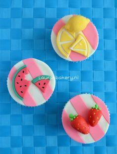 Fruit Cupcakes, Fondant Cupcake Toppers, Summer Fruit, Mini Cakes, Cake Designs, Treats, Desserts, Food, Sweet Tables