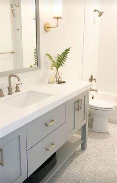 Amazing DIY Bathroom Ideas, Bathroom Decor, Bathroom Remodel and Bathroom Projects to help inspire your master bathroom dreams and goals. Diy Bathroom Remodel, Bathroom Renovations, Bathroom Interior, Restroom Remodel, Bathroom Makeovers, Restroom Ideas, Decorating Bathrooms, Tub Remodel, Restroom Design