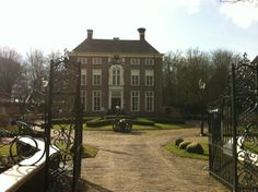 Chateauhotel De Havixhorst Four Square, Mansions, House Styles, Wedding, Home Decor, Valentines Day Weddings, Decoration Home, Manor Houses, Room Decor