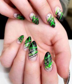 "Tsui auf Instagram: ""𝕋𝕙𝕖 𝕝𝕠𝕟𝕘 𝕨𝕒𝕪 𝕠𝕗 𝕘𝕖𝕥𝕥𝕚𝕟𝕘 𝕞𝕪 𝕔𝕝𝕒𝕨𝕤 𝕓𝕒𝕔𝕜 💚🖤 . #nailsofinsta #nails #neon #green #black #claws #krallen #Fingernägel #freshdone #paleskin…"" Black Claws, Neon Green, Nails, Instagram, Beauty, Finger Nails, Ongles, Beauty Illustration, Nail"