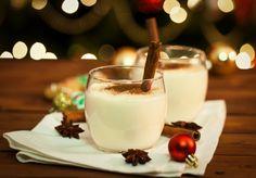 Con esta receta podrás preparar tu propio Rompope navideño especial para Posadas queda delicioso y a todos les encantará. El Rompope es una bebida a base de licor de huevo preparada con Yemas, Leche, Canéla y Vainilla.