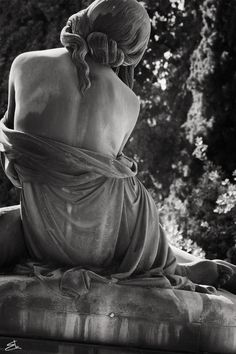 Santo Varni - Giuditta Varni's tomb at the Cemetery of Staglieno in Genoa (Italy).Photo by Enrico Barocci Cemetery Statues, Cemetery Art, Old Cemeteries, Graveyards, Art Sculpture, Stone Sculpture, Memento Mori, Oeuvre D'art, Aesthetic Wallpapers