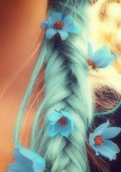 pastel hair. I'm totally diggin' this idea