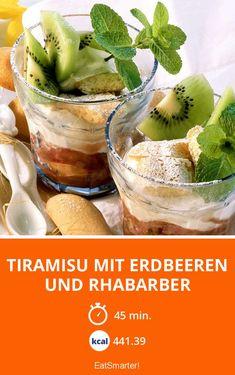 Tiramisu mit Erdbeeren und Rhabarber - kalorienarm - einfaches Gericht - So gesund ist das Rezept: 6,5/10   Eine Rezeptidee von EAT SMARTER   Vollwert, Ostern, Osterrezepte, Rezepte im Glas, Buffet, Menü, Rhabarber-Dessert, Rhabarber-Joghurt, Erdbeerdessert, Tiramisu, Erdbeer-Tiramisu, Rhabarber-Tiramisu #dessert #rezepte
