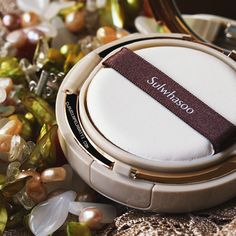 I love this #Sulwhasoo cushion. Natural finish, 8 hours with no patching. I'll do a review after more testing! Be sure to follow my blog linked when I post it