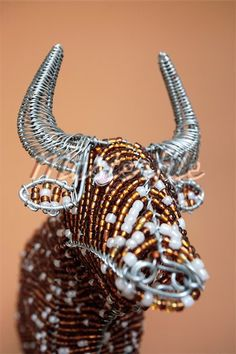 South african wire and beadwork - Nguni Cow from Grahamstown SArch South African Design, South African Art, Bull Cow, African Crafts, Wire Art, Taxidermy, Cows, Cattle, Beadwork