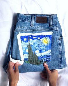 The Starry Night by Vincent Van Gogh by Kessler ✨ Quick and clean tape peel of these painted jeans! # painted jeans diy tutorials The Starry Night painted jeans tape peel by Kessler Ramirez Art Vincent Van Gogh, Painted Jeans, Painted Clothes, Diy Clothes Paint, Diy Clothing, Custom Clothes, Denim Kunst, Thrift Store Crafts, Diy Fashion