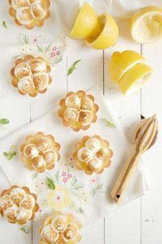Mini tortinhas com suspiro e limão