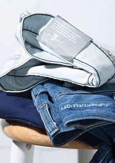 ThredUp: 1) sign up, 2) receive clean out bag, 3) return bag with items that don't fit/ are no longer worn, 4) receive money from upfront cash or consignment. Items that aren't sold are recycled!
