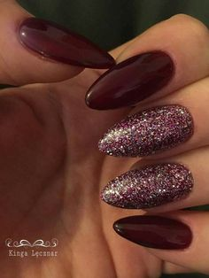 dark red manicure, bright burgundy varnish, two burgundy glitter nails . dark red manicure, bright burgundy varnish, two dark pink burgundy glitter nails. Trend fall winter 2018 2019 nail polish ideal for Christmas and New . Dark Acrylic Nails, Dark Red Nails, Burgundy Nails, Matte Nails, Burgundy Colour, Red Burgundy, Purple Nails, Dark Purple, Dark Colors