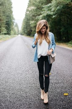 black jeans outfit white tank chambray shirt vince camuto booties seattle-3