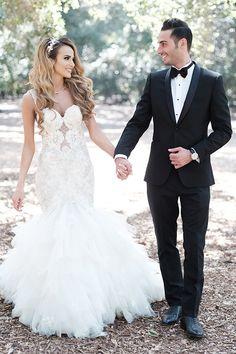 English Garden Style Wedding in California Big Wedding Hair, Elegant Wedding Hair, Sparkle Wedding, Wedding Beauty, Wedding Looks, Wedding Dress Styles, Wedding Hairstyles With Veil, Bride Hairstyles, Japanese Wedding