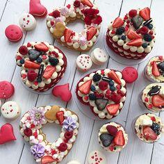 Repost @kasadelika #cake #cakes #cupcakes #cupcake #cakeart #cakeporn #cakelover #cakedesign #cakeoftheday #cakestagram #торт #торты #тортик #тортспб #тортмосква #тортназаказмосква #тортнаденьрождения #тортназаказ #тортыназаказ #капкейки #капкейкиназаказ #сладости #свадебныйторт #детскийторт