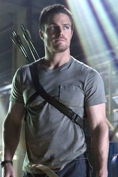 """""""The CW's Arrow is not only the network's best new show, it's also one of the the best freshman fall shows on any network."""" Entertainment Weekly (I'm so hoping that they're right! Oliver Queen Arrow, Arrow Show, Team Arrow, Arrow Cast, Arrow Tv, Stephen Amell Arrow, Fall Tv, Batman, Dc Movies"""