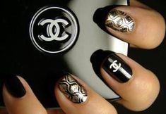 https://www.facebook.com/pages/Nail-Art-Club/169869999721698?sk=photos_stream