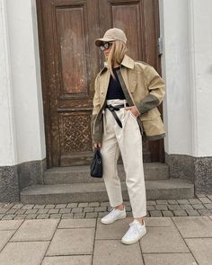 street style | outfit | outfit inspo | ootd | neutrals | casual style | basic outfit | how to wear | ways to wear | scandinavian | danish | copenhagen | sweden Scandi Style, Nordic Style, Swedish Style, Scandinavian Fashion, Nordic Fashion, Danish Fashion, Spring Fashion, Autumn Fashion, Beige Outfit