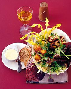 Salat mit Gebackenem Bergkäse - Herbstliche Salate - [LIVING AT HOME]