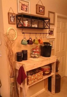 Pallet = One Coffee Bar 1072600 10151586228141794 1000869839 o One pallet = one coffee bar ! in pallet kitchen diy pallet ideas with pallet 10151586228141794 1000869839 o One pallet = one coffee bar ! in pallet kitchen diy pallet ideas with pallet Bar Pallet Shelves, Diy Furniture, Kitchen Decor, Coffee Bars In Kitchen, Home Decor, Home Coffee Stations, Home Kitchens, Home Diy, Pallet Diy