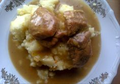 Gulasz z karkówki Mashed Potatoes, Meat, Chicken, Ethnic Recipes, Food, Whipped Potatoes, Smash Potatoes, Essen, Meals