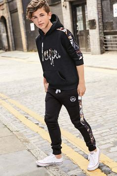 für Jungs ab 12 mit gewellten und The Effective Pictures We Offer You About clothes for teens korean A quality picture can tell you many things. Tween Boy Outfits, Teenage Boy Fashion, Outfits Niños, Fashion Kids, Outfits For Teens, Tween Boy Style, Kids Style Boys, Teen Boy Clothes, Teenager Fashion