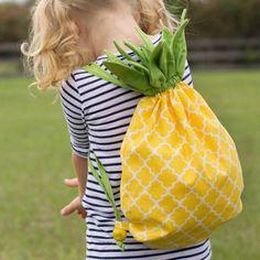 Un sac-à-dos ananas