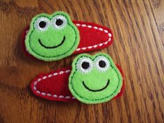 Felt snap clip barrettes Green frog with red by PJSEMBROIDERY