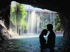 Hawaii Honeymoons- best things to do in Hawaii while on your honeymoon. Great ti… Hawaii Honeymoons- best things to do in Hawaii while on your honeymoon. Great tips!