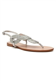 It's love at first sight with these Tia Woven Sandals from Witchery. They just picked up my heart and walked away with it. Classic Fashion Looks, Silver Sandals, Love At First Sight, Dear Santa, Christmas Wishes, Women's Shoes, How To Wear, Heart, Clothes