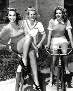 1940s picture of cyclists
