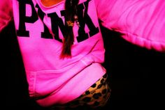 I need this sweatshirt. The color = perfecttt. <3