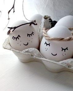 e g g s // #eggs #easter #diy #pretty #white #naturalvibes #pääsiäismuna #spring #doityourself #decoration #deco #home #scandinaviskehjem… Egg And I, Egg Art, Spring, Snoopy, Easter, Deco, Fictional Characters, Instagram, Design
