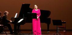 Rennes Opéra. BEATRICE URIA MONZON ou la classe hispanique ! C'est Sol y sombra queBéatrice Uria Monzon a offert à l'opéra de Rennes. C'est avec beaucoup d'émotion que le public a eu le privilège d'entendre lundi 9 janvier sans doutela plus reconnue des mezzo-soprano françaises. Tout au long de ce concert intitulé Sol y sombra, elle nous a invités ... https://www.unidivers.fr/beatrice-uria-monzon-opera/ https://www.unidivers.fr/wp-content/uploads/20