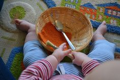 Montessori - Activities to do with baby per month