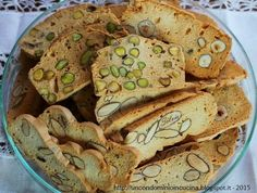 I biscotti velo della Ele. Italian Pastries, Italian Desserts, Italian Recipes, Italian Biscuits, Italian Cookies, Almond Paste Cookies, My Favorite Food, Favorite Recipes, Biscotti Cookies
