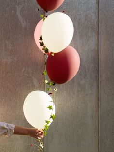 A summer party with floating plant balloons Birthday Diy, Happy Birthday, Ballon Helium, Deco Ballon, Bubble Balloons, Wedding Balloons, Flower Images, All You Need Is Love, Party Time