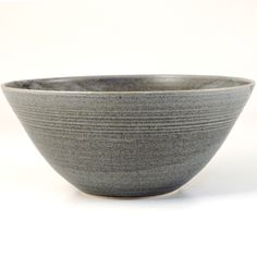 Dove Street Pottery, Large Bowl – These functional domestic ware ceramics combine simplicity with elegance to be used and enjoyed everyday.