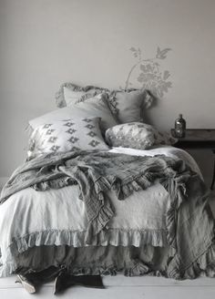 ♅ Dove Gray Home Decor ♅ bedroom with grey linens