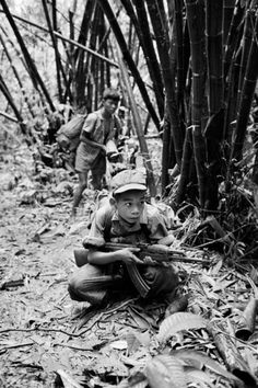 Military Veterans, Vietnam Veterans, Military Art, Vietnam History, Vietnam War Photos, American War, American History, North Vietnam, Laos